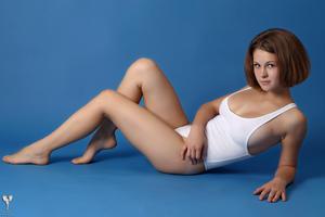 http://img187.imagevenue.com/loc255/th_365145550_tduid300163_silver_angels_Sandrinya_I_whiteswimwear_1_083_122_255lo.jpg