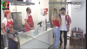 Jani Gabriel sensual em vários trabalhos
