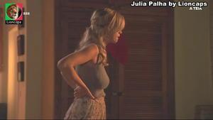 Julia palha sensual no programa Selfie e na novela A teia