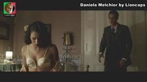Daniela Melchior sensual no filme Parque Meyer